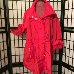 ⭐️EUC -For Cynthia- Red w/ Gold Lightweight Jacket